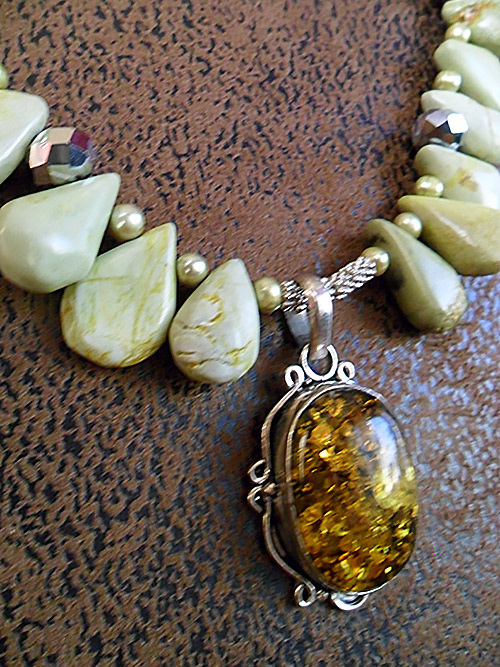 Olive jade, pearl and amber pendant necklace